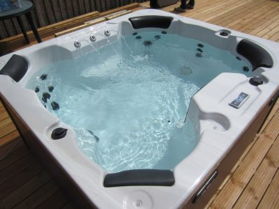 Compact-1 Lux hot tubs